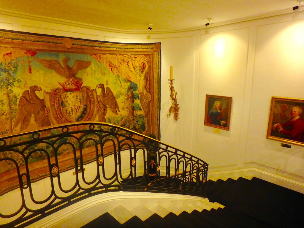 ホテルネグレスコ 絵画