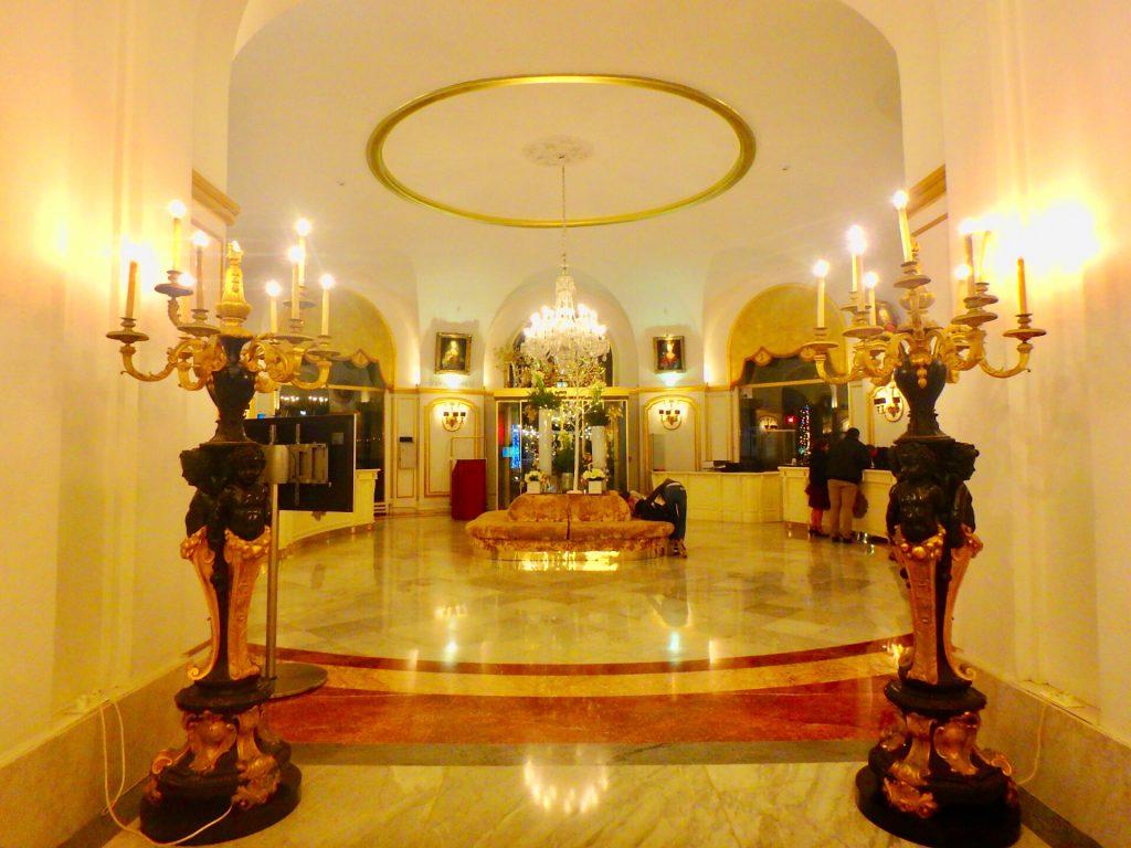 ニース ネグレスコ ホテル ロビー