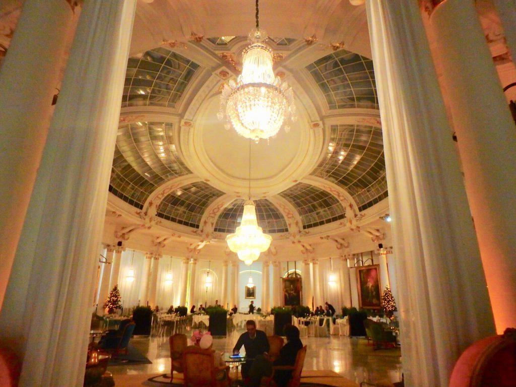 フランス 高級ホテル ロビー