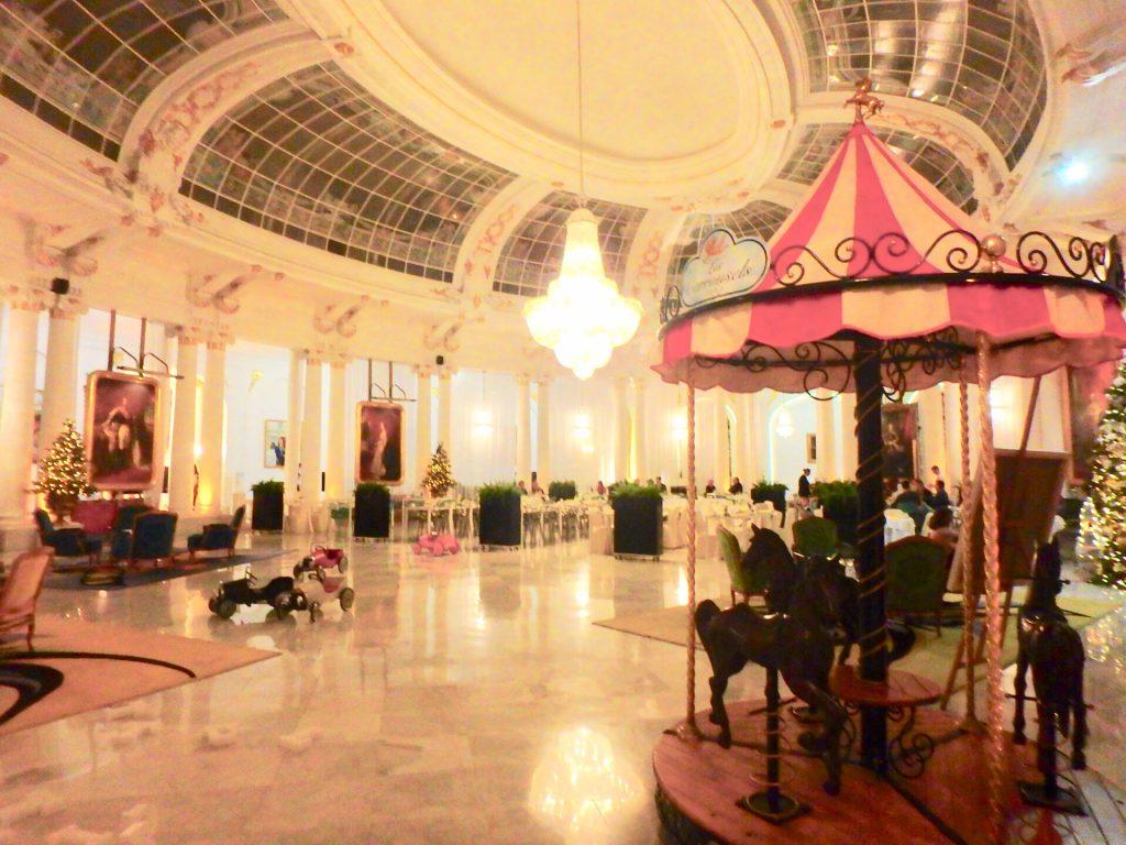 ニース ホテル ネグレスコ レストラン