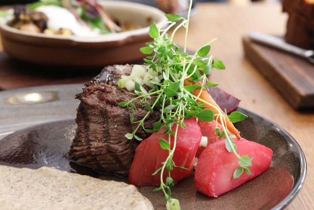 エストニア タリン お肉料理