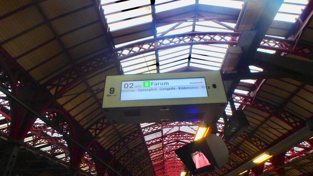 コペンハーゲン中央駅から港 行き方