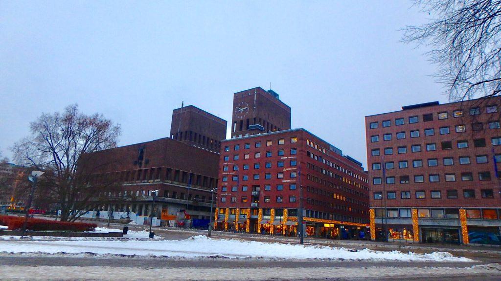 ノルウェー オスロ市庁舎