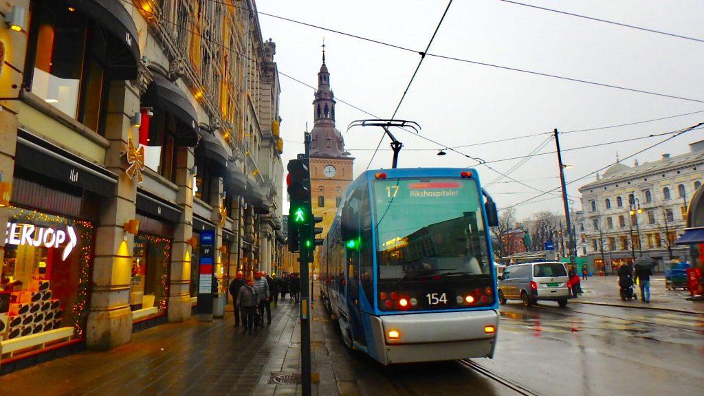 ノルウェー オスロ 交通機関 トラム