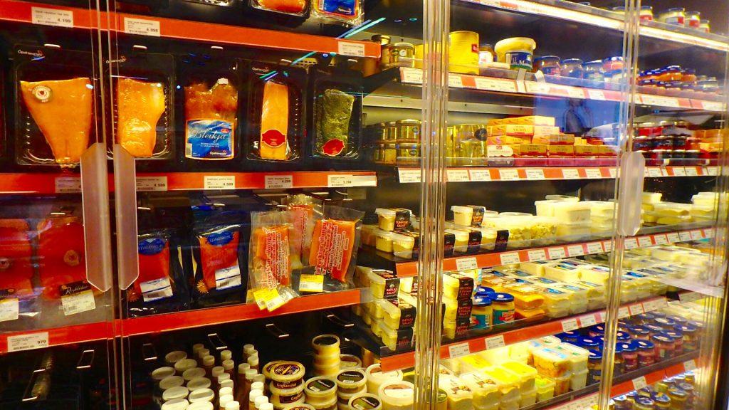 アイスランド レイキャビク スーパー 乳製品