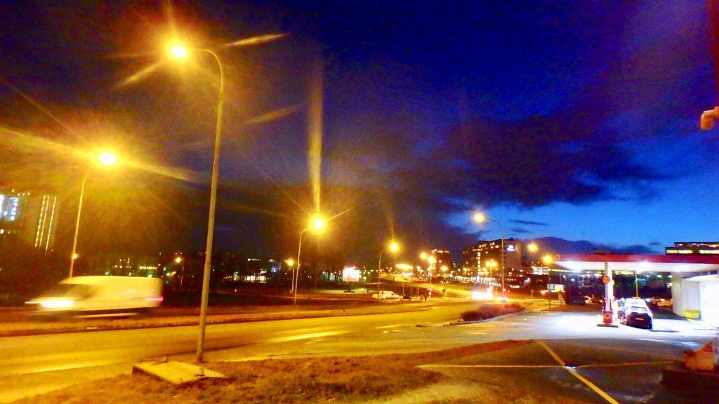 アイスランド レイキャビク 冬 日没