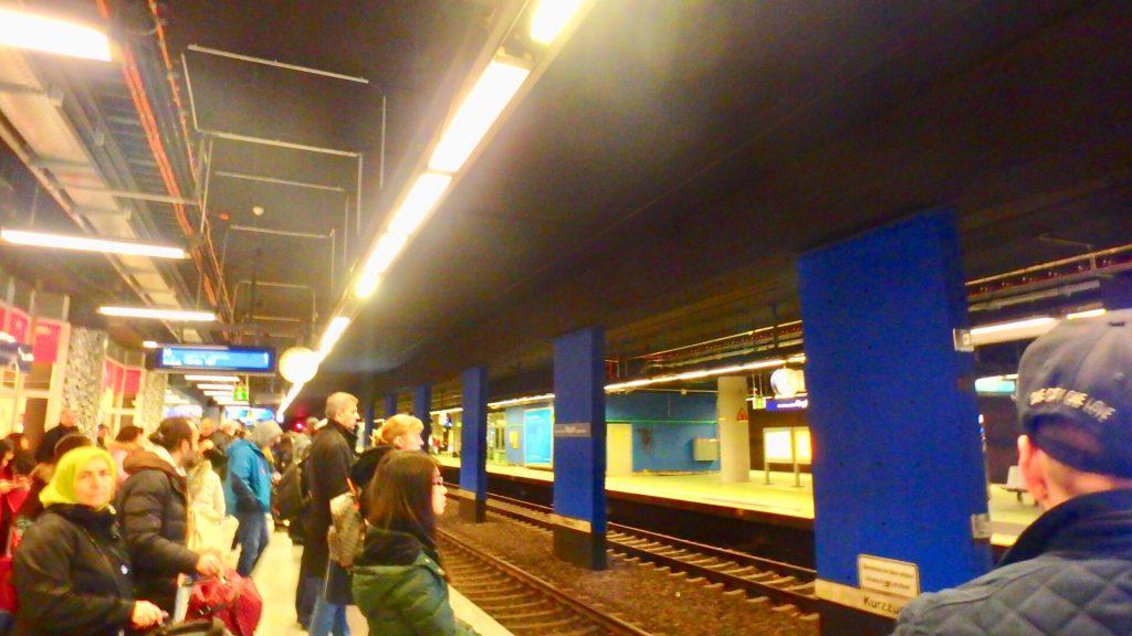 フランクフルト 空港から市内 電車