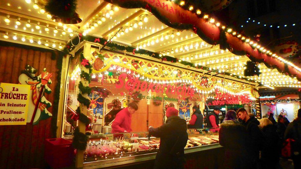 ドイツ クリスマスマーケット 食べ物