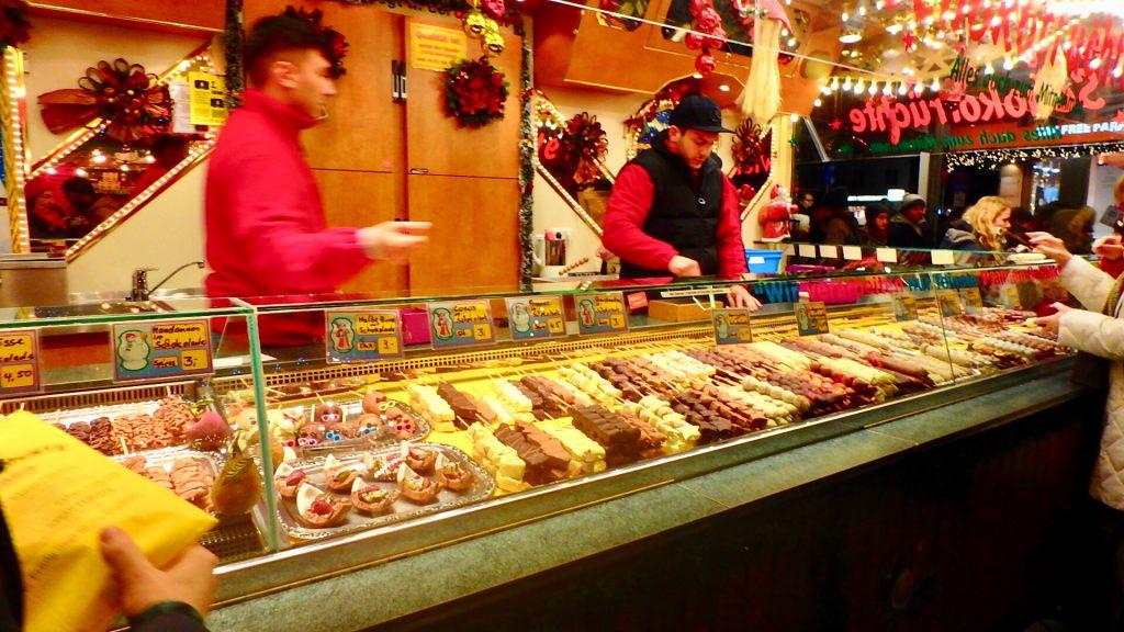 フランクフルト クリスマスマーケット 食べ物