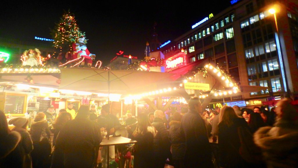 ドイツ クリスマスマーケット 食事