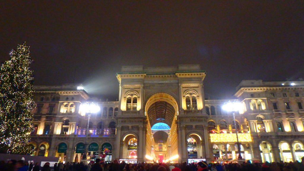 ミラノ ドゥオモ広場 クリスマス