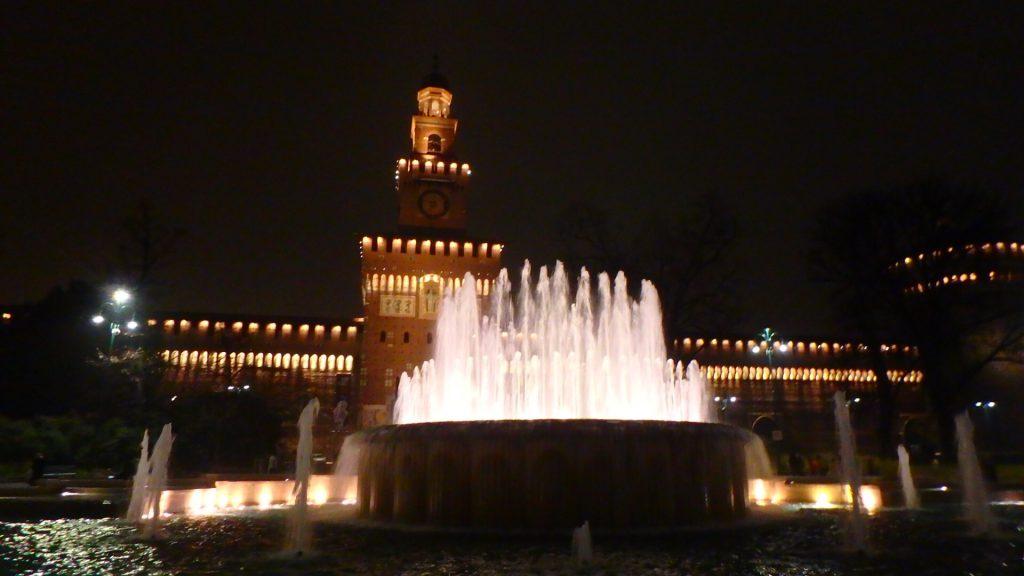 ミラノ スフォルツェスコ城 噴水