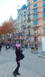 カサ・バトリョ バルセロナ 観光 女子