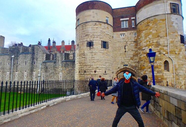 ロンドン塔 内部 観光 ブログ
