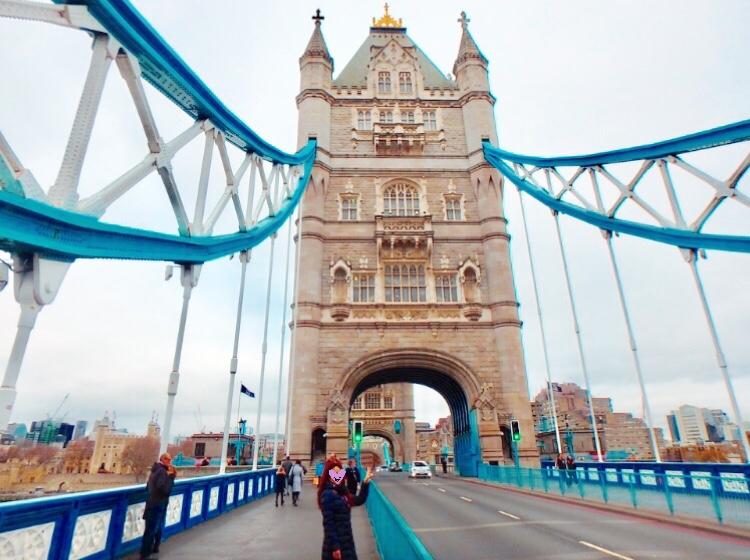 ロンドン タワーブリッジ 観光 女子旅