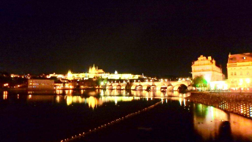カレル橋 夜景