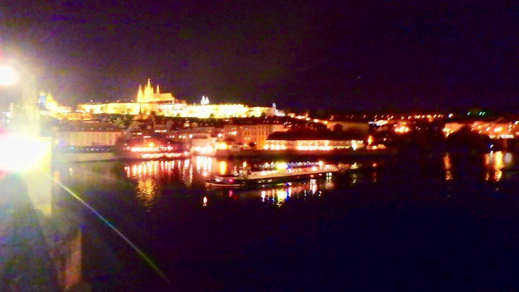 プラハ カレル橋 夜景