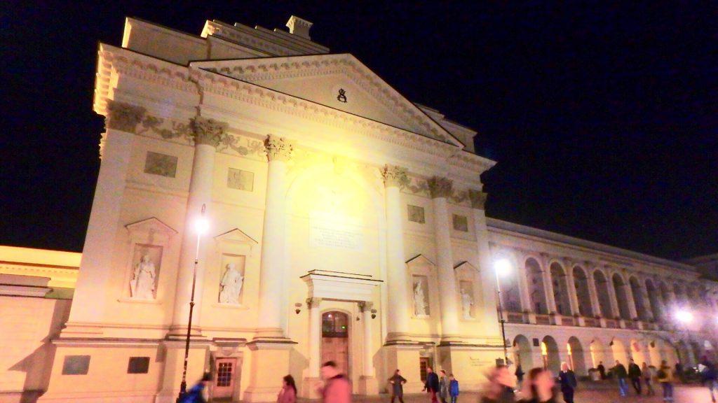 ワルシャワ 観光 聖アンナ教会