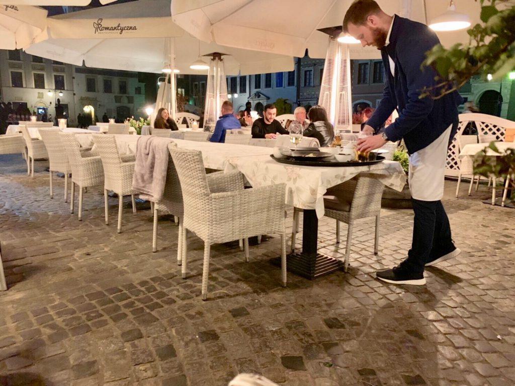 ワルシャワ レストラン ブログ