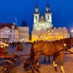 プラハ女子旅①旧市街広場とカレル橋を観光。〜秋冬のチェコ旅ブログ