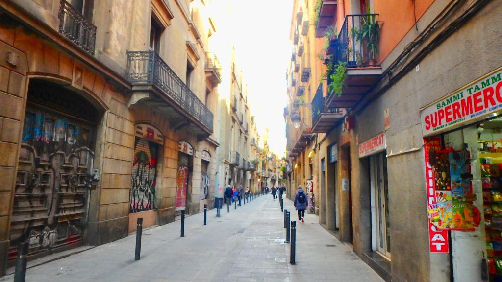 バルセロナ 観光 路地 散策