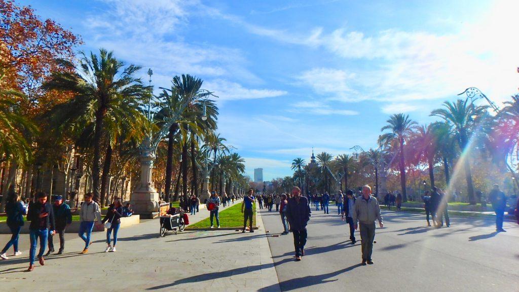 バルセロナ シウタデリャ公園 ストリート お散歩