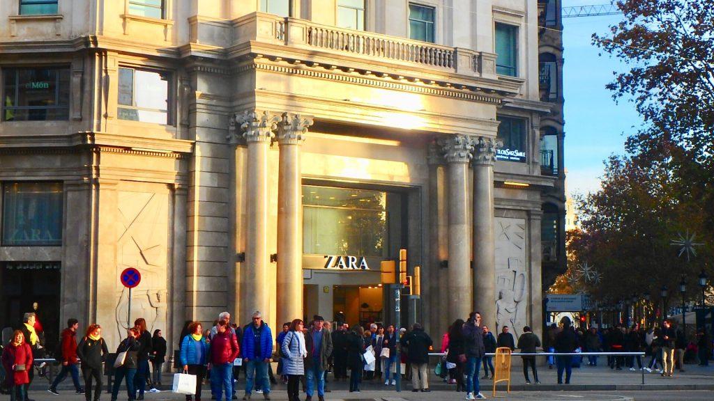 ZARA バルセロナ カタルーニャ広場