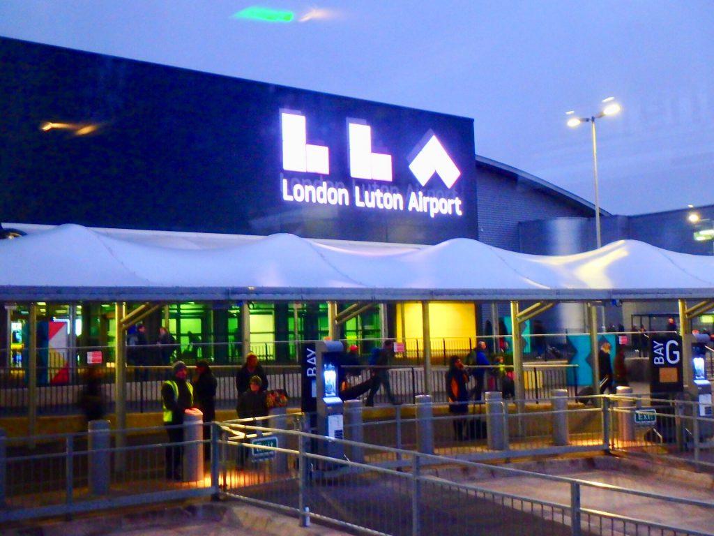ロンドン ルートン空港 Luton