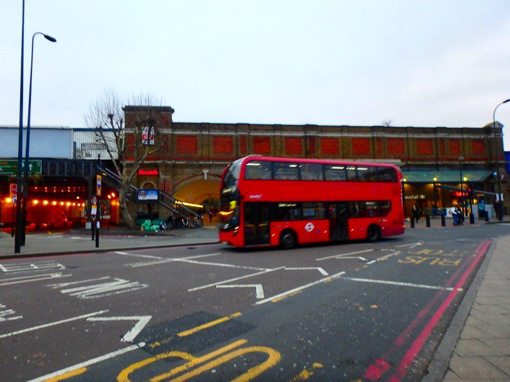 ロンドン ヴォクソール駅 Vauxhall
