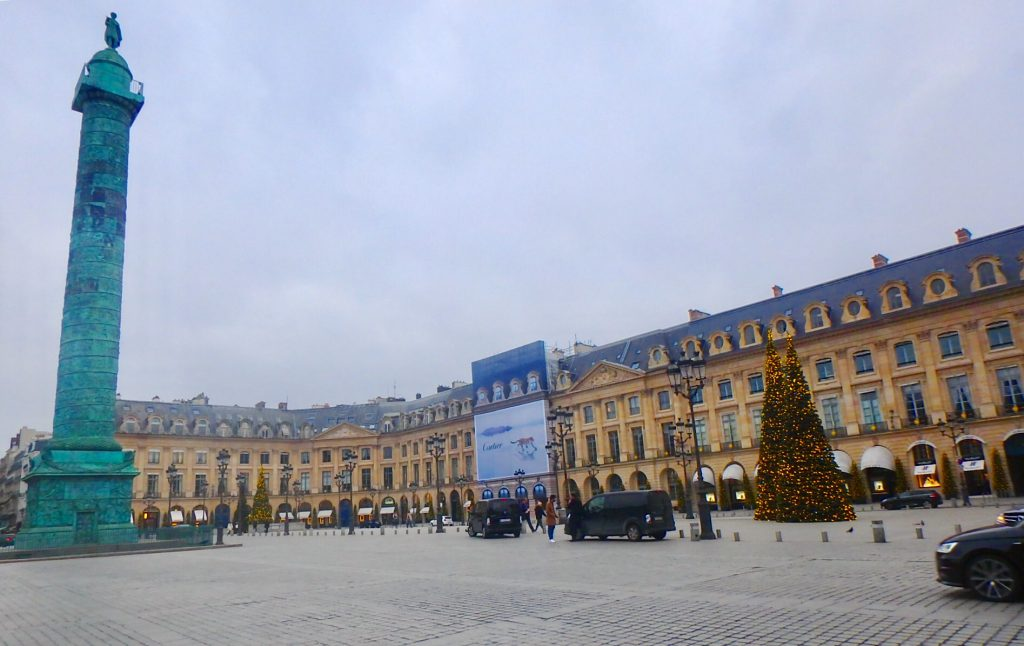 パリ ヴァンドーム広場 ブランド ショッピング
