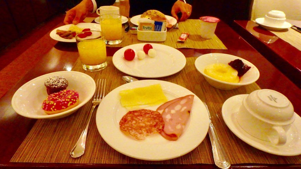 ミラノ 朝食 ブログ