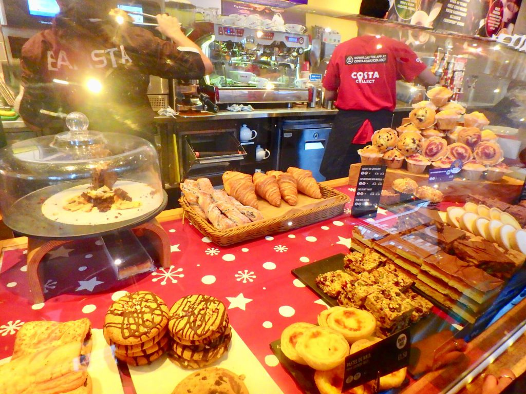 ロンドン カフェ パン屋さん