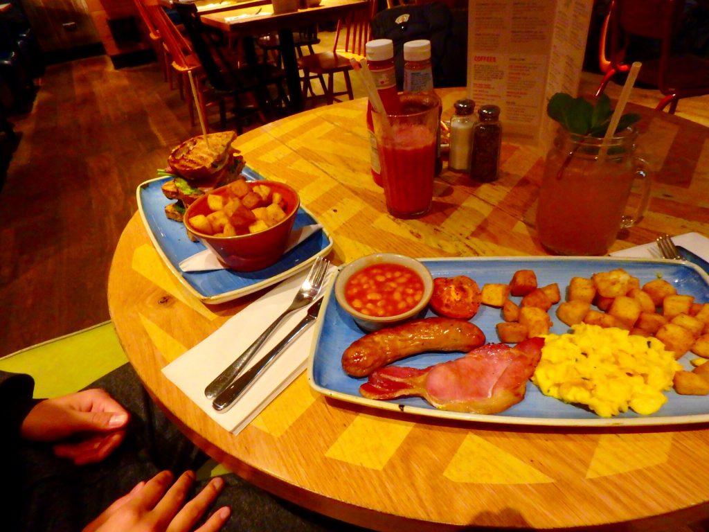 ロンドン スタンステッド空港 レストラン