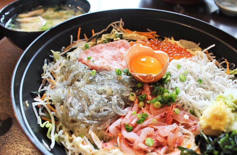 江ノ島 鎌倉グルメ とびっちょ 海鮮しらす丼